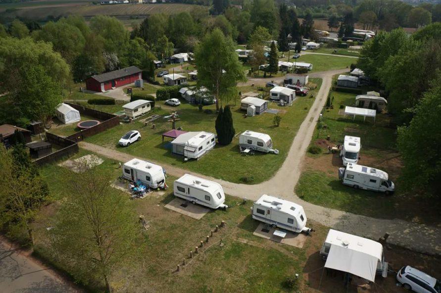 Stellplatz für Wohnwagen und Wohnmobile